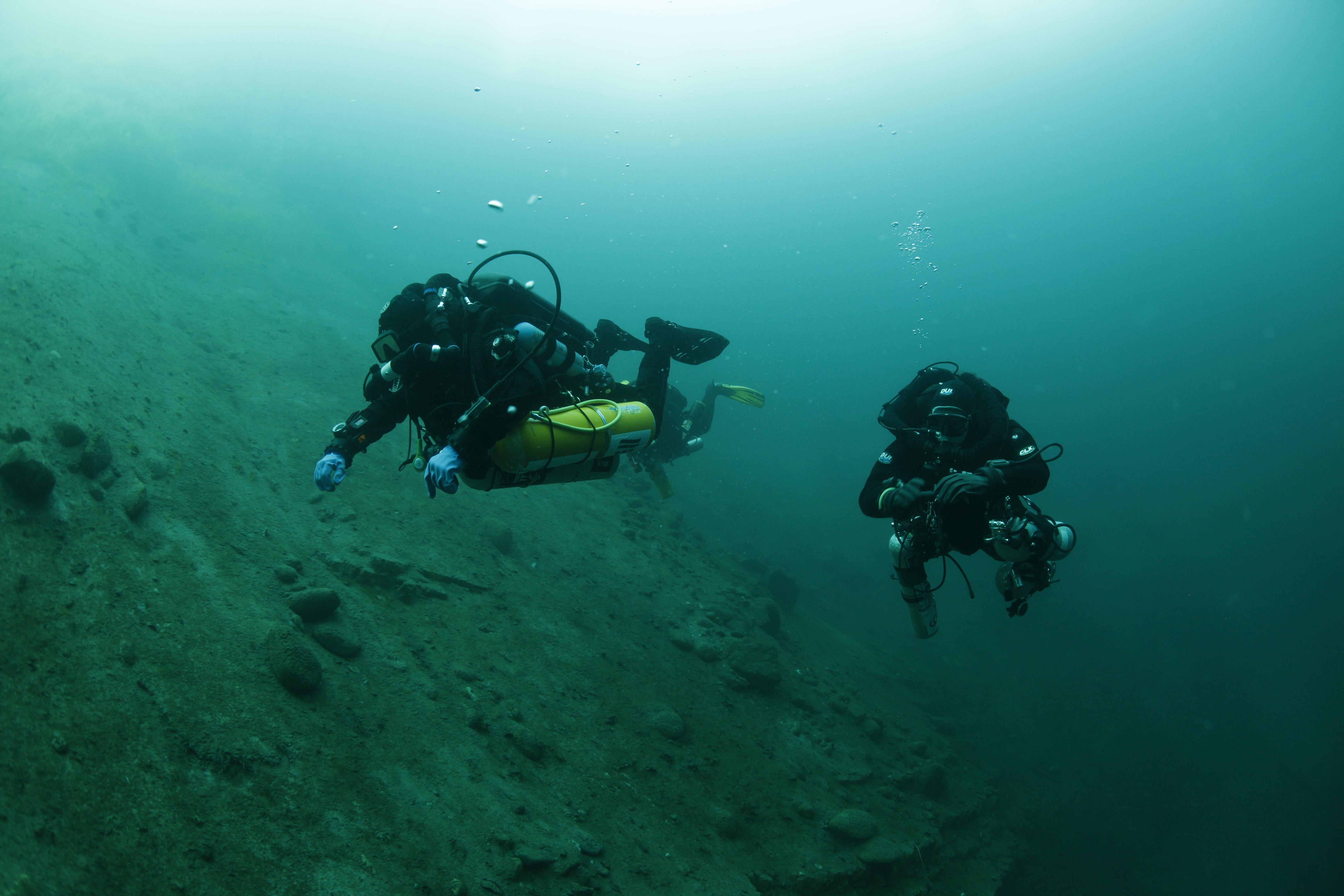 Голубое озеро 209 метров.